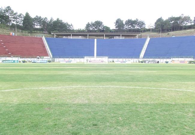 Foto_Estadio_168mariohelenio03.jpg