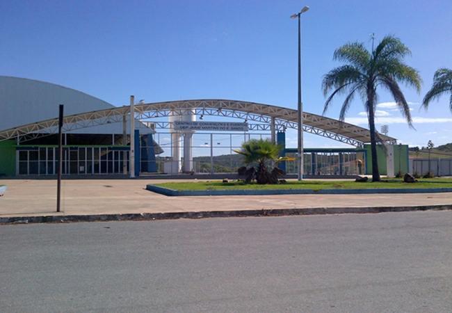 Foto_Estadio_172ZezePerrella01.jpg