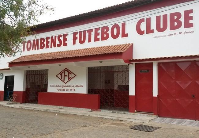 Foto_Estadio_180Almeidão01.jpg