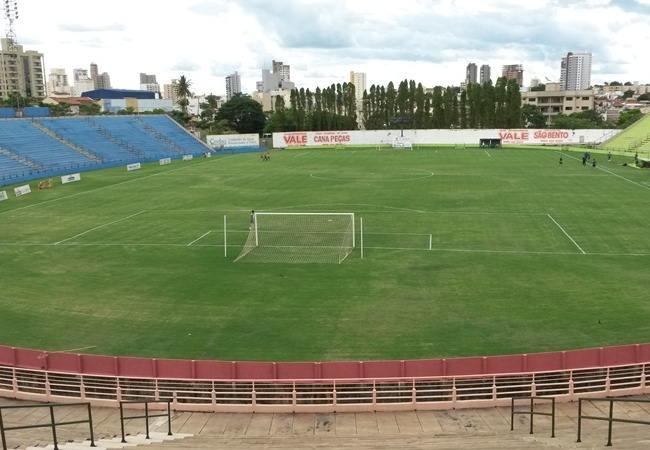 Foto_Estadio_182Uberabão02.jpg