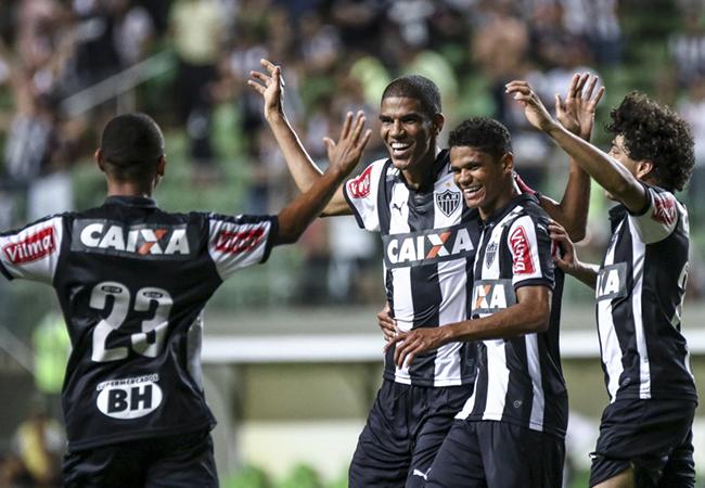 Atlético bate Caldense e lidera Campeonato Apoio Mineiro