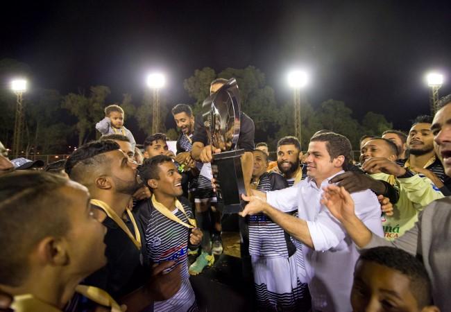 Inconfidência EC leva o troféu do Corujão