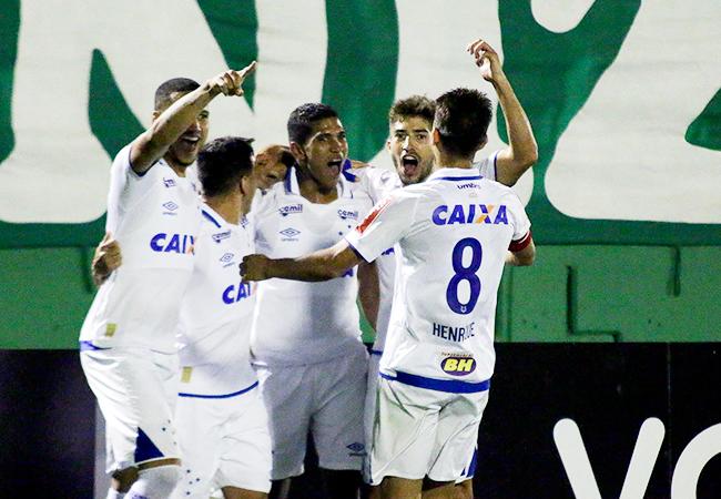 Atlético e Palmeiras empatam no Horto; Cruzeiro vence fora