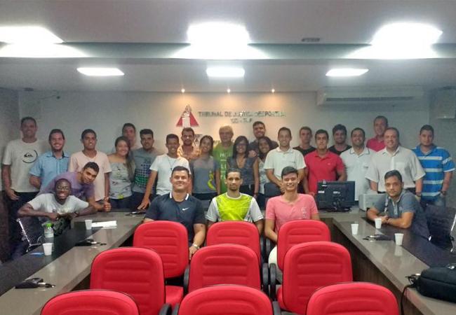 FMF realiza curso para formação de novos árbitros