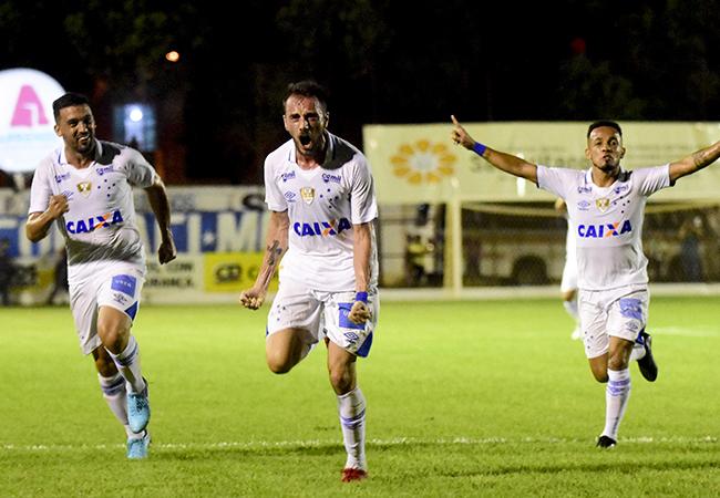 Tupi e Cruzeiro vencem pelo Mineiro Sicoob