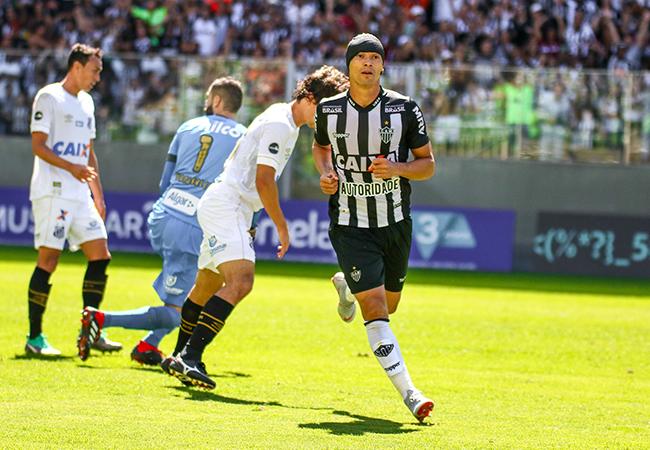 Atlético vence Santos e se reabilita em casa