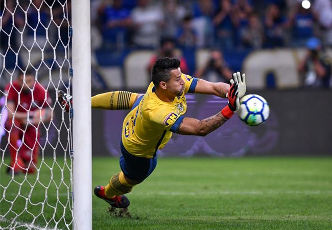Fábio brilha, e Cruzeiro avança na Copa do Brasil
