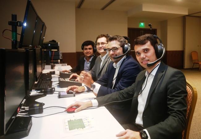 Presidente Adriano Aro e diretores na visita técnica do VAR